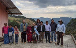 Felipe y su familia en Acatitla